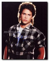 Lowe Rob Original 8 x 10 Color photo signed with C.O.A.